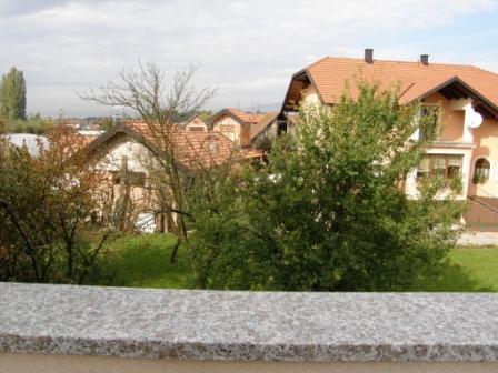 Slike su vezane uz članak: S13, Petruševec, 56,98 m2