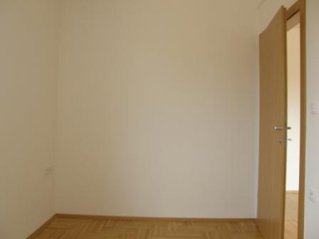 Slike su vezane uz ?lanak: S14, Petru�evec, 56,98 m2