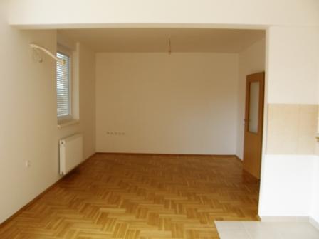 Slike su vezane uz članak: S9, Petruševec, 58,26 m2